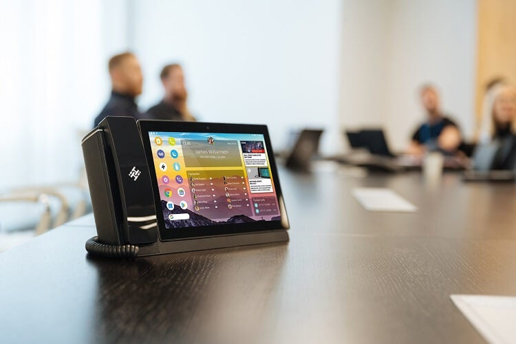 HiHi2 system in meeting room