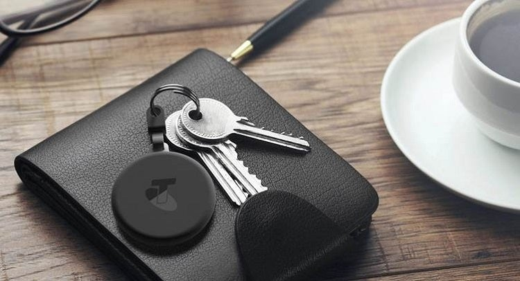 Keyring With Bluetooth Tracker Attached
